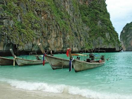både i bangtao beach