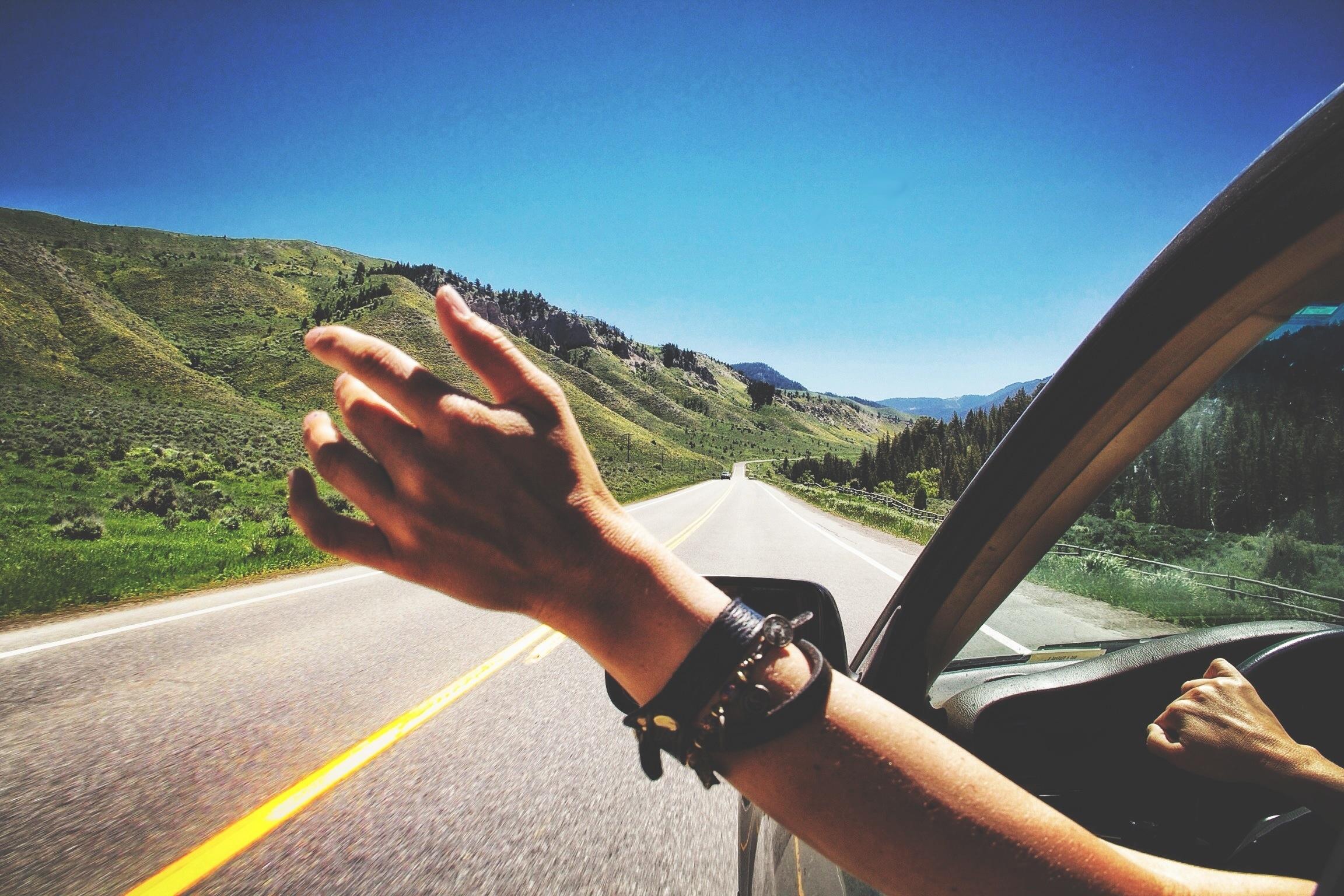 En lang køretur med godt at drikke og gode venner